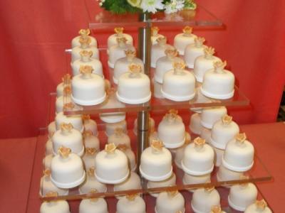 esküvői torta marcipánból