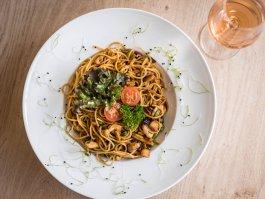 Thai zöldséges, csirkés spagetti
